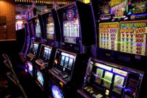 Как в казино Адмирал играть на деньги?